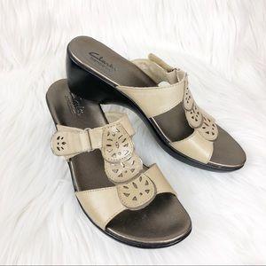 Clarks bendables sandals size 6 1/2